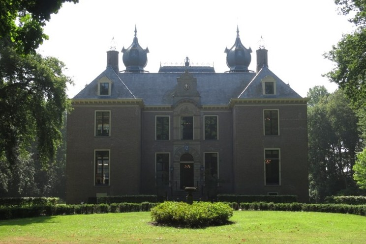 exterior of the castle Oud Poelgeest